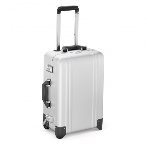 zero_halliburton_classic_aluminum_2_two_wheel_carry-on_ZRC20A-SI_front3_2048x
